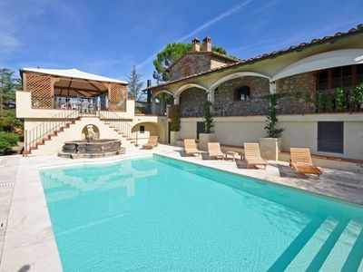Photo for Villa in Montebenichi with 7 bedrooms sleeps 14