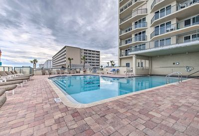Towers Ten amenities include a pool, hot tub, gym, fire pits, grill, and more!