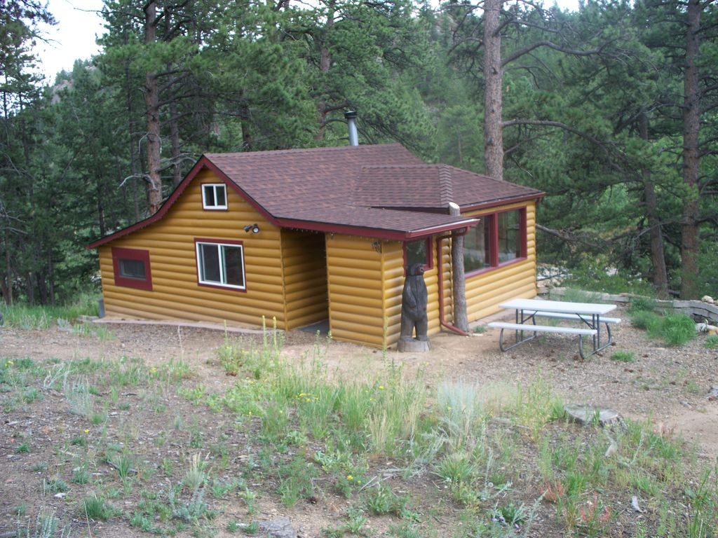 Cabins in the historic overlook ranch dog friendly estes for Estes park dog friendly cabins