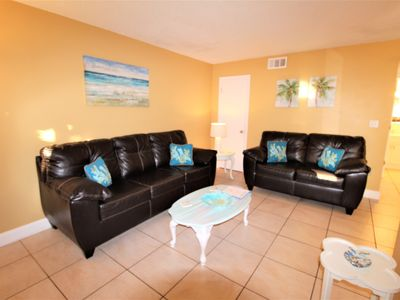 Photo for Waves-14 St Pete Beach Beautiful 1 Bedroom Condo NEW LISTING! Pool View!