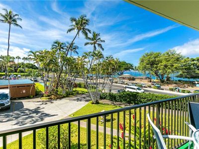 Photo for Maui Parkshore 2 bedroom condo on the second floor, sleeps 6. #202