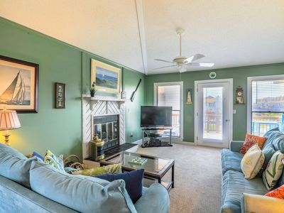 Photo for Fun and Inviting 2 Bedroom Townhouse