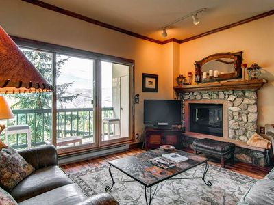 Photo for Beautiful bright condo with fully equipped kitchen and on-site outdoor pool & ht.