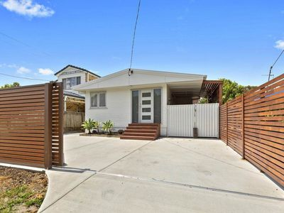 Photo for Spacious Family home in central Location