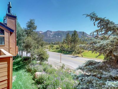 Photo for Townhome with gorgeous views & access to shared pool/hot tub, and tennis!