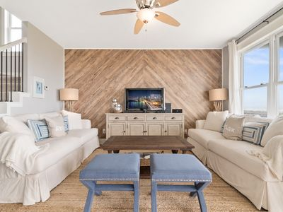 Beach front! Professionally decorated, coastal chic! Pointe West