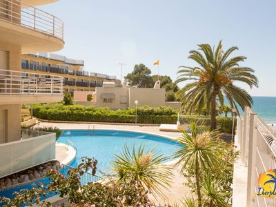 Photo for Studio 4pax with AC and community pool in Cap Salou at 20mts from the beach
