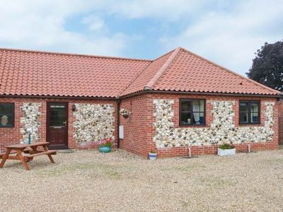 Photo for The Granary Cottage, GAYTON