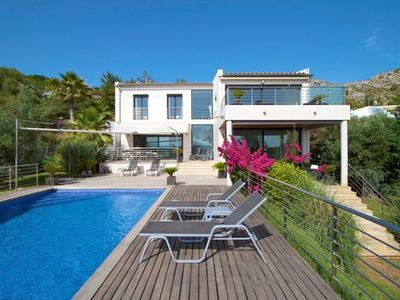 Photo for Stunning villa in Bonaire with breathtaking sea views for 8 guests