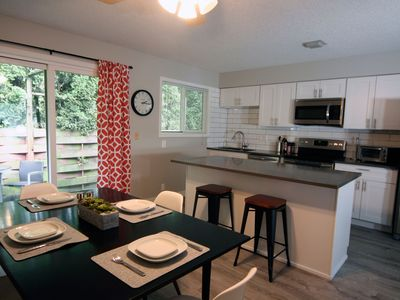 Photo for NEW, MODERN 2BR IN GREAT WALKABLE BEAUMONT NEIGHBORHOOD!