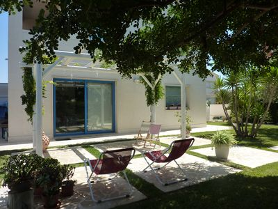 Photo for RENT HOUSE WITH LARGE GARDEN