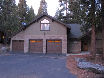 Photo for New Listing! Granite Rdge mtn cabin w/ large kitchen, decks. 80in tv & game ro