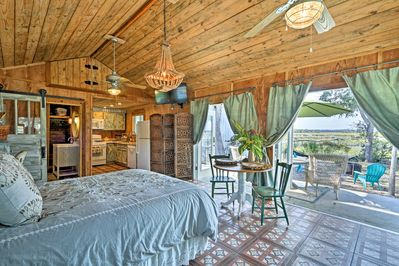 You'll find comfortable accommodations for 2 with 1 bathroom and a full kitchen.