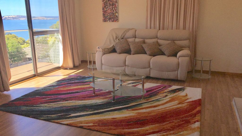 Relax away perfect location for work or p homeaway for Kingston swimming pool tasmania