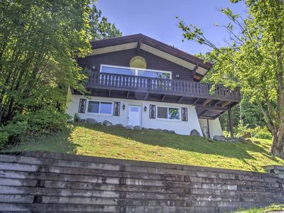 Photo for Ski-In/Ski-Out Cannon Mountain House w/ Deck!