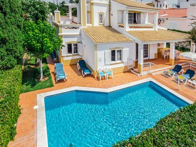 Photo for Beautiful 2 floor villa w/ spacious bedrooms, heated pool + BBQ