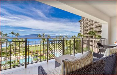 Photo for Kaanapali... Best Beach in Maui!! Huge Lanai for sunset watching! 20-27 June 20