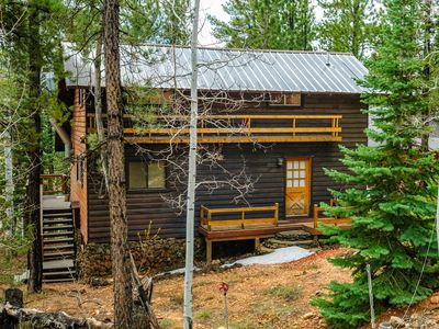 Photo for Classic Strawberry cabin / Sleeps seven in beds