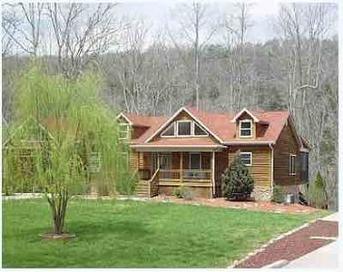 Photo for Right on the Lake, Close to Boat Ramp/Pool, 5 Bedroom Lakefront