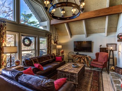Photo for Mile High Beech House - Cozy home 1 mile from the slopes and shops on Beech Mountain!