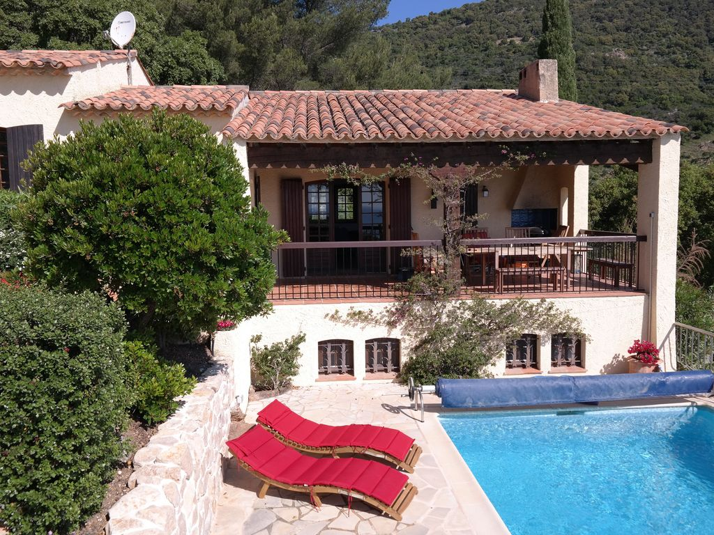 Quiet Holiday Villa With Pool And Stunning...   HomeAway Cavalaire Sur Mer