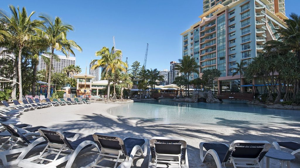 Car Parking At Paradise Resort Gold Coast