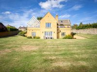 Brilliant setting, lovely welcoming property. Great for all the family including the dogs.