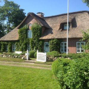 Photo for Holiday under thatch for 2 people (with dog) in Nordfriesland