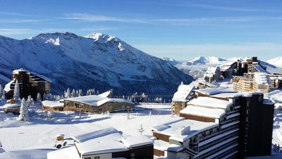 Photo for 2 double bedrooms and 1 alcove access to chair lifts ski-in ski-out