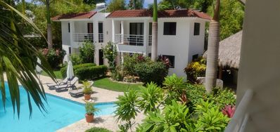 4 One-Bedroom Suites & Breakfast at the Hotel Coral Blanco