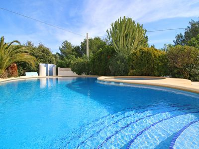 Photo for Modern bungalow with pool, garden and parking near Calpe.