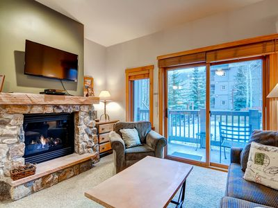 Photo for Studio Condo next to slopes! Sleeps 4. Kids ski free!