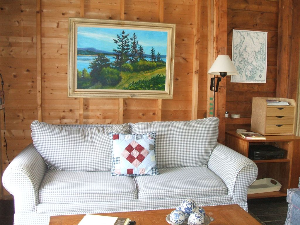 Summer Cottage In Exquisite Coastal Maine Spot