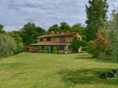 Photo for Rural villa with heated pool, large terrace and beautiful views
