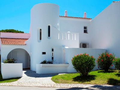 Photo for Villa with private swimming pool close to Tennis Academy in Vale do Lobo SD97