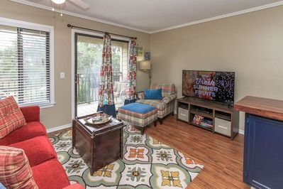 Carolina Beach Club 227-  beautiful ocean view villa - You have to love the feel of this beautiful ocean view villa. This villa has Hilton property amenities that include new ocean front pool and hot tub, fitness center and Oceanside Grill for dining.