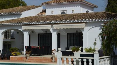 Photo for Family villa with Pool, Puerto Banus