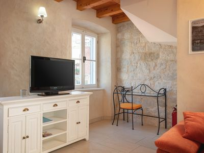 Photo for Mama 2 apartment in Omiš with WiFi, air conditioning, private terrace & balcony.