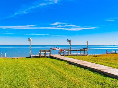 Photo for Newly remodeled home with great fishing from Redfish Bay