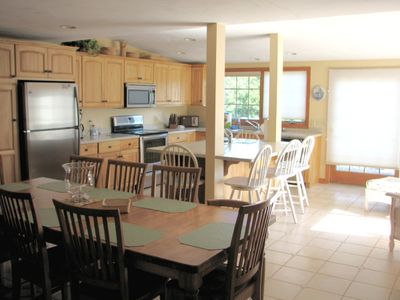 Chatham, Spacious 5 BR, A/C, walk to best family beach in Chatham