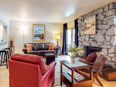 Photo for Cozy resort condo w/shared hot tub within walking distance to ski lifts