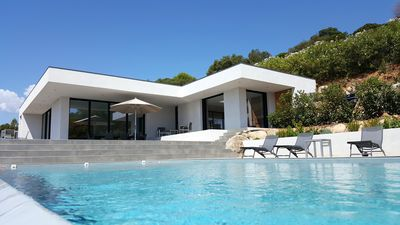 Photo for Beautiful contemporary villa with superb sea view, Promo september