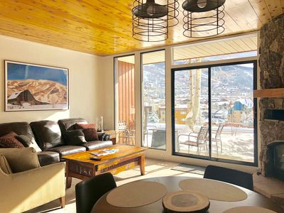 Photo for Charming 2br ski condo w/ heated pool, short walk to Gondola