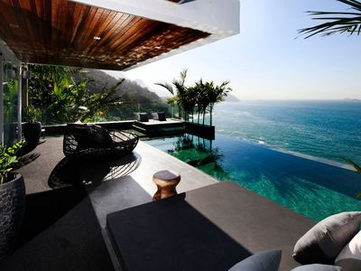 Photo for Rio033 - Breathtaking luxurious villa with pool in Joa