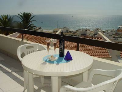Photo for Beautiful apartment, w / magnificent sea view, 5mns walk from the beach and old town