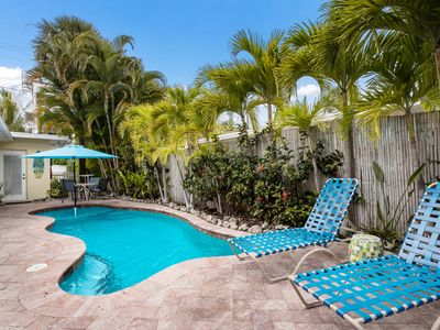 Beach Escape: Private Heated Pool, Tropical Landscaping, 4 Houses to the Beach!