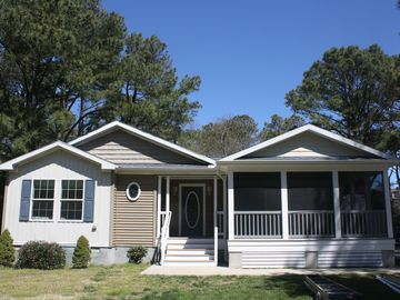 3- minute walk to Private Beach (Middlesex Beach is adjacent to Bethany Beach)