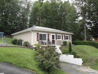 This home on the desired north end of Staunton located 1.0 mile to downtown.