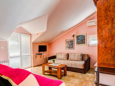 Unique Holiday Apartment Near the City Center