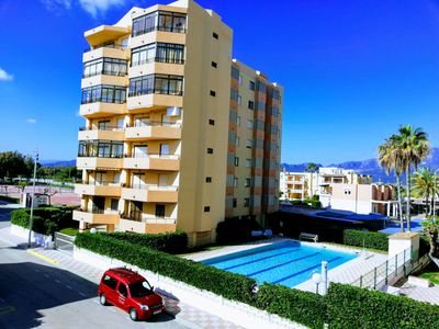 Photo for Sea views, covered parking, pool and WIFI!